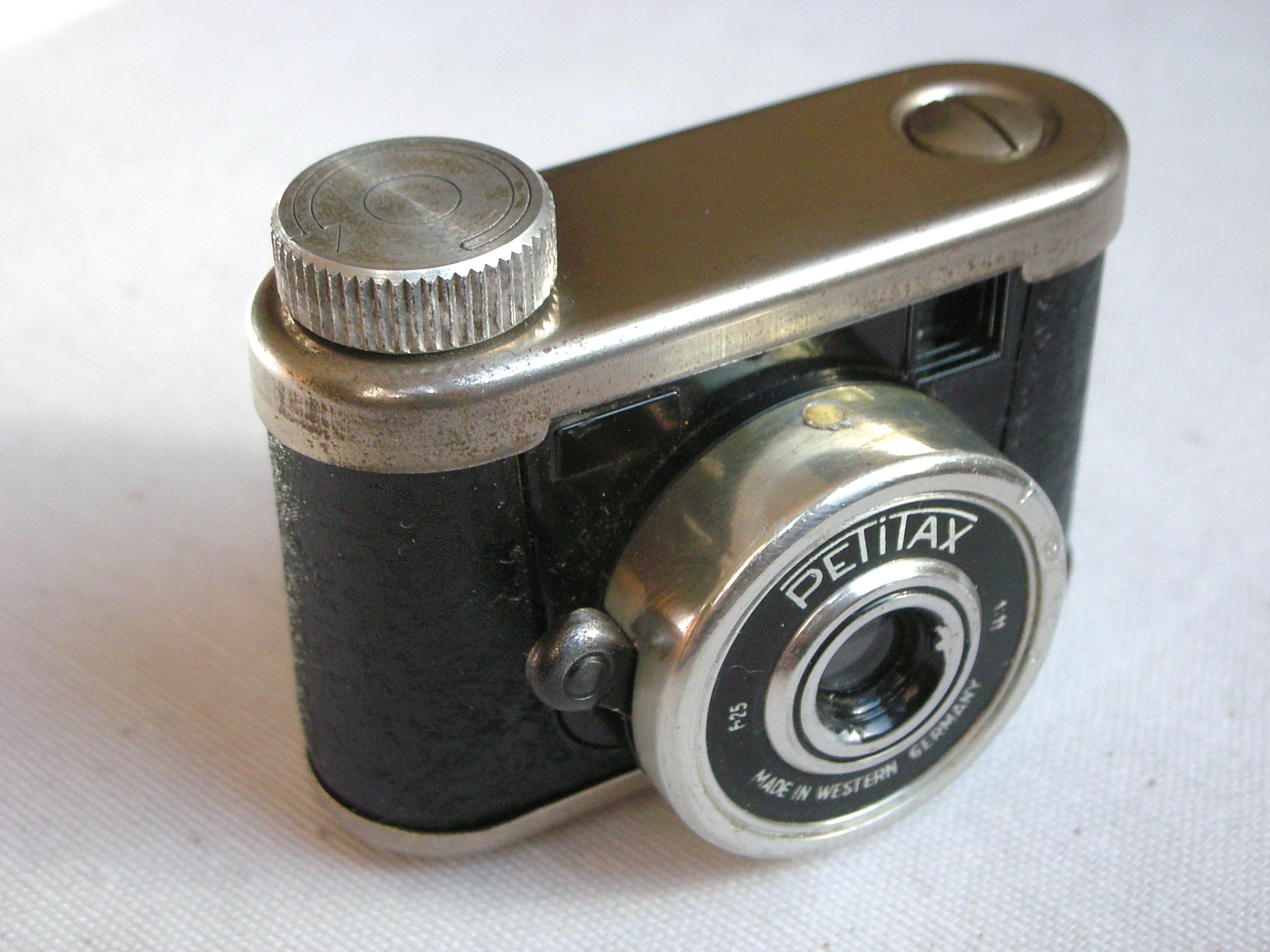 kunik petitax camera joops camera collection. Black Bedroom Furniture Sets. Home Design Ideas